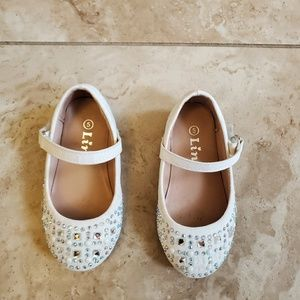 Link girl's shoes. Size 5